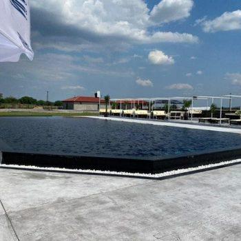 Плувен басейн BLACK SWAN
